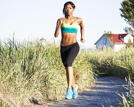 La fréquence cardiaque une aide pour perdre du poids. Pour maigrir la course peut vous aider mais il faut travailler à une certaine fréquence cardiaque.