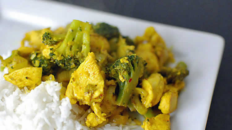 Escalopes poulet brocolis curry weight watchers adaptable cookeo
