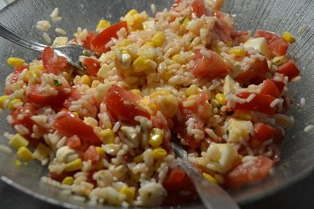 Salade composée oeufs riz tomates cookeo